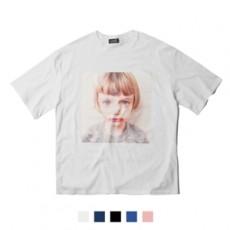 남녀공용 울보아기 프린트 반팔티셔츠